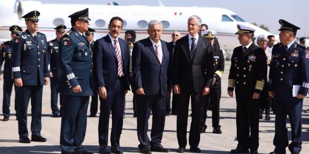 El presidente Andrés Manuel López Obrador conmemoró el 104 aniversario de la Fuerza Aérea Mexicana en la Base Aérea Militar de Santa Lucía.