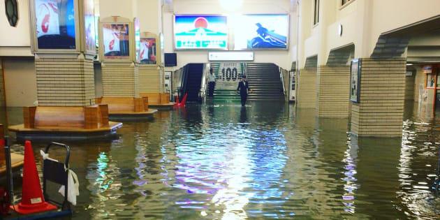 1階が水没した近鉄・宇治山田駅の様子