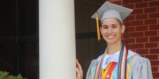 Cet étudiant gay, rejeté par ses parents, entre à l'université grâce à une cagnotte de plus de 120.000$