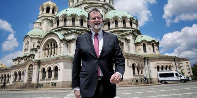 Fotografía publicada en el twitter oficial del presidente del Gobierno, Mariano Rajoy, visita a la Catedral de Alexander Nevski en Sofía, Bulgaria, un día antes de la cumbre UE-Balcanes a la que no acude por la presencia de Kosovo