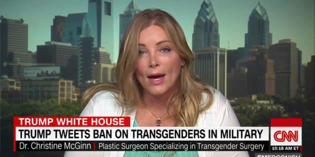 Un médecin opérera gratuitement des personnes transgenres engagées dans l'armée