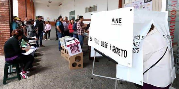 La Ley General de Partidos Políticos permite a los partidos y a los candidatos independientes contratar a representantes de casilla, para que custodien las 155 mil casillas que INE planea instalar el próximo 1 de julio.