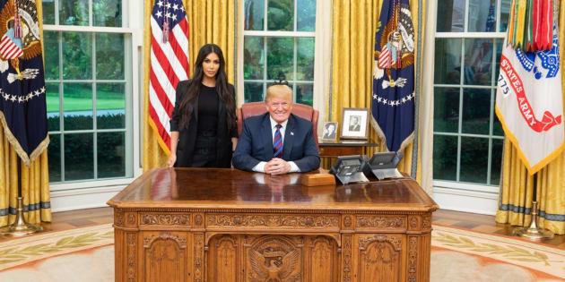 Trump a commué la peine de la détenue pour laquelle Kim Kardashian s'est battue.