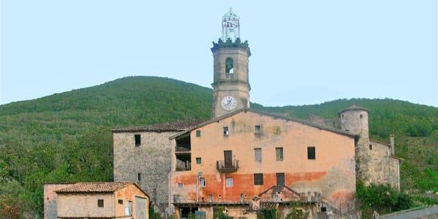 Iglesia de Santa María en Riudaura (Girona).