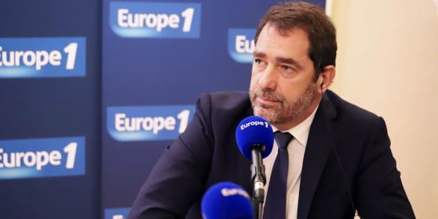 Sur Europe 1, Christophe Castaner a exclu d'interdire les lanceurs de balles de défense, successeurs des flashballs.