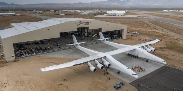 Stratolaunch, un avion géant pourrait lancer des fusées dans l'espace