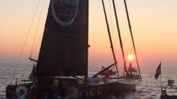 La superbe arrivée d'Alex Thomson, 2e du Vendée Globe, au lever du