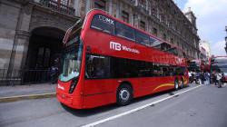 Presentan autobuses de doble piso que correrán en la Línea 7 del