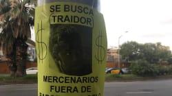 Con letreros en el Camp Nou le dicen mercenario a