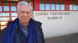 Mario Vargas Llosa en prisión... para hablar de literatura y regalar