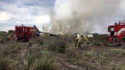 黒煙上がる機体、受け入れ病院の慌ただしさ...メキシコ北部の飛行機墜落事故【動画・画像】