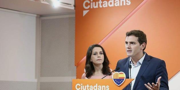 Rivera y Arrimadas comparecen ante los medios.