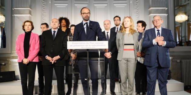 Les principaux points du plan anti-radicalisation dévoilé par Édouard Philippe.