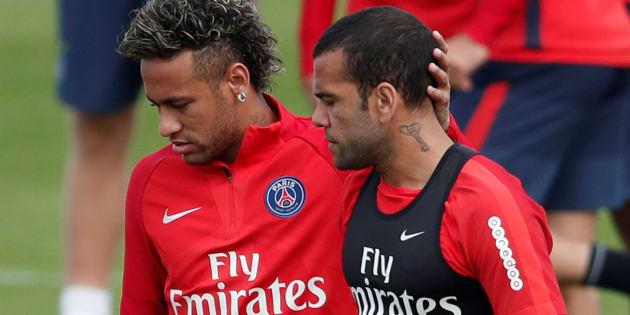 Neymar et Dani Alves à l'entraînement avec le PSG.