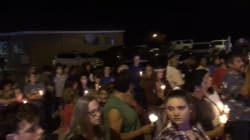 Les images de la veillée en hommage aux victimes de la fusillade au