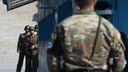 Les deux Corées sont en guerre, mais c'est une bataille de regards qu'elles se livrent chaque jour à la
