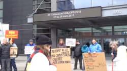 Des manifestants dénoncent un prêt de Desjardins à Kinder