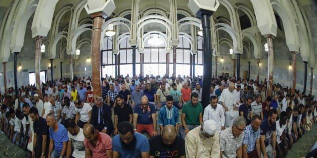 Interior de la conocida como Mezquita de la M-30 de Madrid capital.