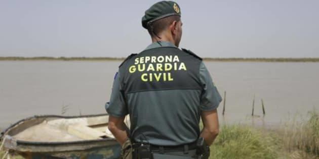 Un agente del Seprona de la Guardia Civil en una imagen de archivo.