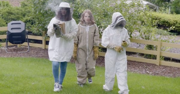These three sisters started a business when their family's beekeeping hobby left them tons of extra beeswax