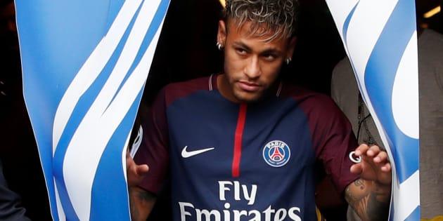 La présentation de Neymar au Parc des Princes