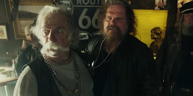 Testostérone, barbes et motards: la première pub des frères Coen pour le Super Bowl