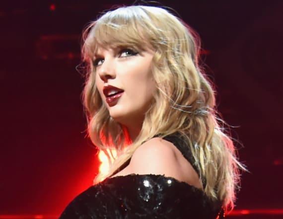 Taylor Swift holds hands with boyfriend Joe Alwyn