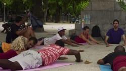 Ils donnent des cours de yoga gratuits aux sans-abri de