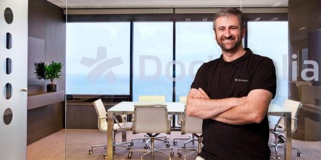 Frederic Llordachs en las oficinas de Doctoralia en Barcelona