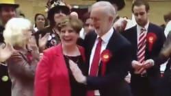 L'énorme moment de gêne du chef du Labour qui fête ses bons