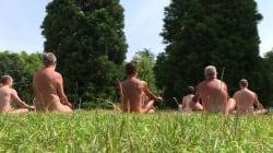 Yoga dans les bois pour la première Journée du naturisme à