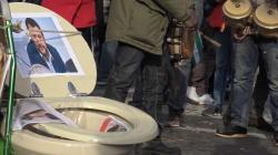 A Roma i manifestanti 'scaricano' i vicepremier: