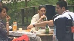 Giornalista iraniana ultraconservatrice beve birra senza indossare il velo. I concittadini la attaccano:
