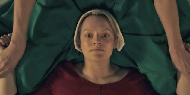 """On sait enfin quand la saison 2 de """"The Handmaid's Tale"""" arrivera sur nos écrans"""