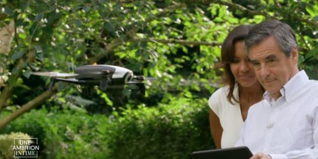 François Fillon fait voler son drone dans l'émission Une ambition intime.