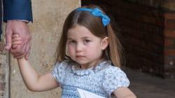 La princesa Carlota deja las cosas claras a los fotógrafos en el bautizo de su