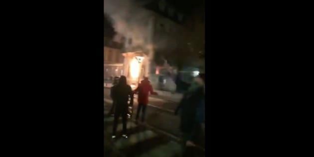 Plusieurs gilets jaunes s'étaient rendus coupables, samedi 1er décembre, de l'incendie de bâtiments de la préfecture de la Haute-Loire, au Puy-en-Velay.