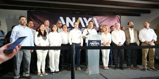 Integrantes de la coalición Por México al frente durante una conferencia de prensa en Jalisco.