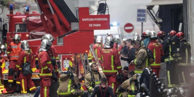 Des pompiers en action à l'angle de la rue de Trévise et de la rue Sainte-Cécile, à Paris, le 12 janvier 2019