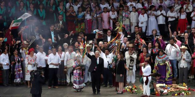 Entrega de Bastón de Mando al presidente López Obrador.