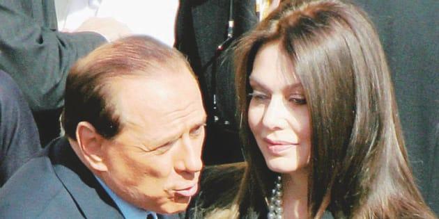 Berlusconi dovrà versare assegno da due milioni a Veronica Lario