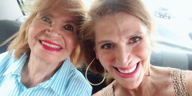 Alejandra Bogue junto a su mamá, Betty Gómez.