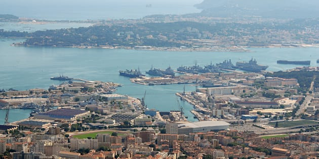 Vue aérienne du port de Toulon.