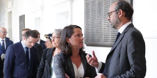 Après deux nuits de troubles, le premier ministre Edouard Philippe s'est rendu à Nantes où il s'est notamment entretenu avec la maire socialiste Johanna Rolland.
