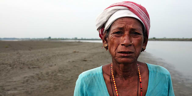 Mujer indígena de la tribu mising Kaziranga