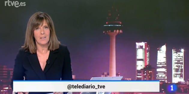 Ana Blanco presenta el programa informativo de TVE.