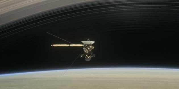 Cassini a trouvé bien plus de vide que prévu entre Saturne et ses anneaux.