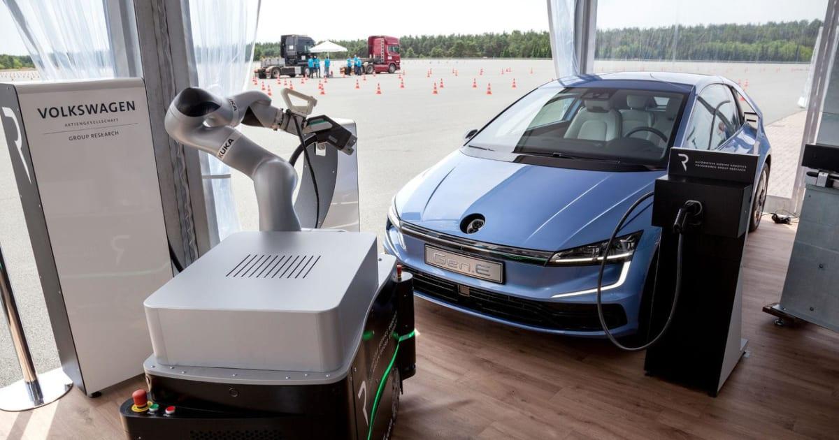 volkswagen veut charger les voitures lectriques avec un robot. Black Bedroom Furniture Sets. Home Design Ideas