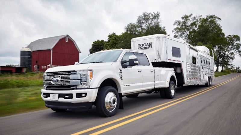 2017 Ford F 450 Super Duty Rated To Tow 32 500 Pounds Autoblog
