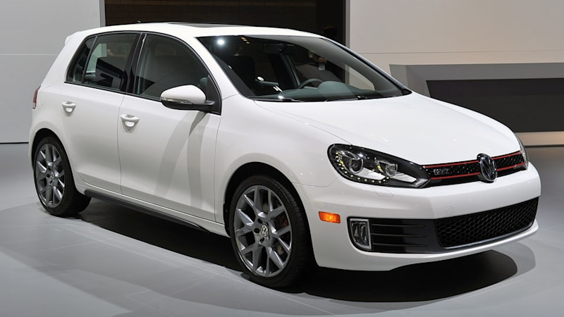 VW recalls 420,000 vehicles for driver's airbag failure